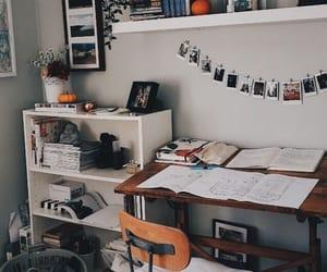 quarto, room, and tour image