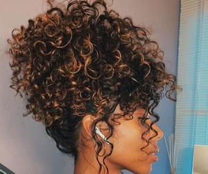curly and curly hair image