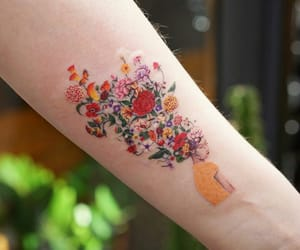 beautiful, body art, and flowers image