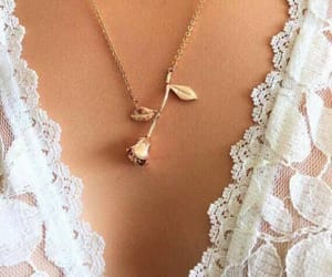 delicate, gold, and necklace image