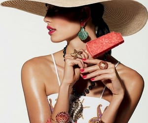 accessories, hat, and jewellery image