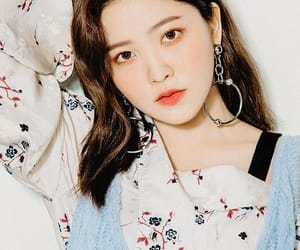 aesthetic, red, and yeri image