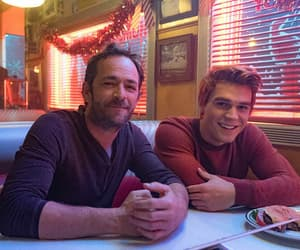 luke perry, riverdale, and fred andrews image