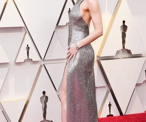 brie larson, oscar, and red carpet image
