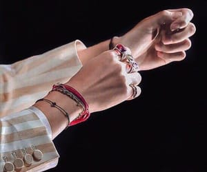 bts, hands, and kim taehyung image