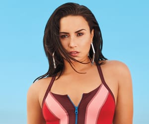 demi lovato, beauty, and instyle image