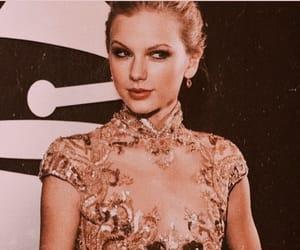 celebrity, fashion, and gold image