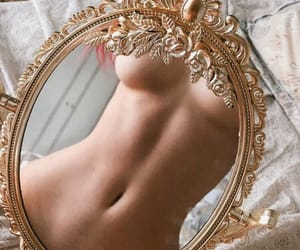 mirror and body image