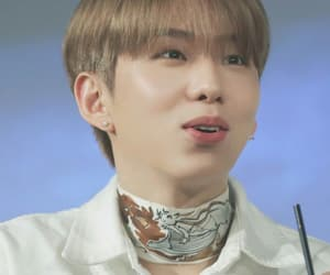 kihyun, monsta x, and fansign image