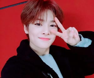 jeongin, stray kids, and felix image
