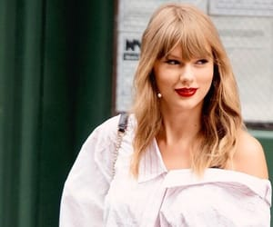 beautiful, Taylor Swift, and fashion image