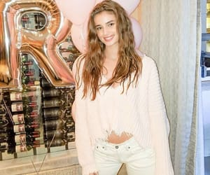 instagram and taylorhill image