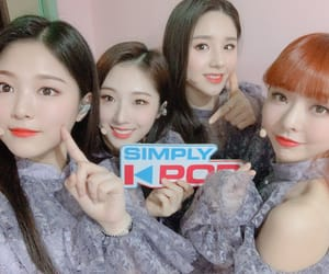 yves, heejin, and chuu image