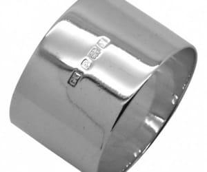 silver tbale wear image