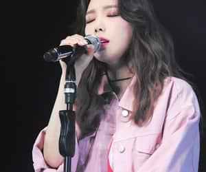 aesthetic, yuri, and hyoyeon image