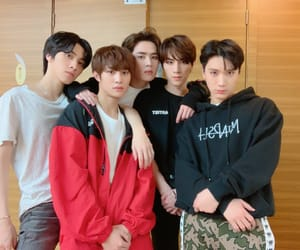 ten, nct, and hendery image