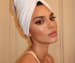 kendall jenner, makeup, and beauty image