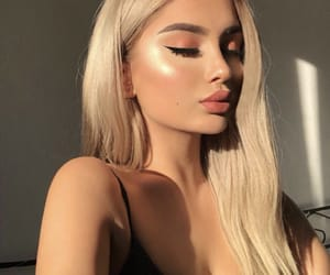 beauty, highlighter, and instagram image