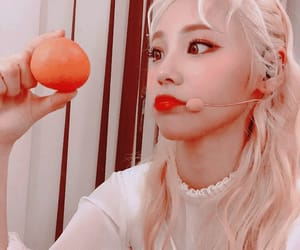 loona, jinsoul, and icon image