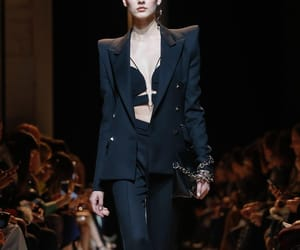 Mugler Ready To Wear Fall Winter 2017 Paris  Credits: Guillaume Roujas for NOWFASHION