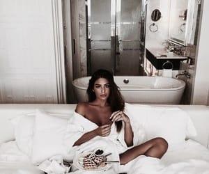 girl, food, and beauty image