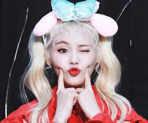 oec, jinsoul, and loona image