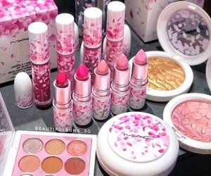 eyeshadow and lipstick image