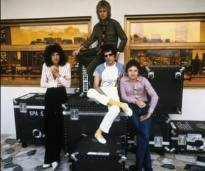 article, Queen, and Guns N Roses image