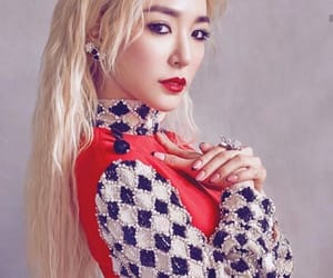 blonde, snsd, and photoshoot image