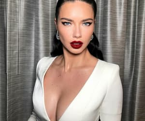Adriana Lima, awards, and dress image