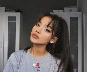 blogger, pretty, and brunette image