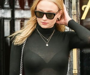 actress and sophie turner image