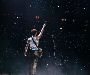 tour and shawn mendes image