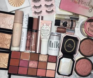 beauty, chic, and eyeshadow image