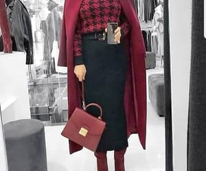 maroon outfit image