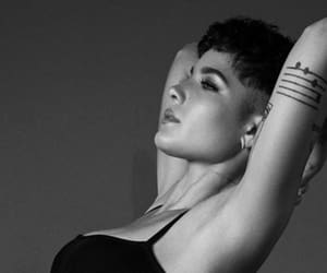 article and halsey image