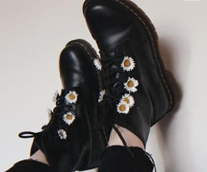 fashion, flowers, and grunge image