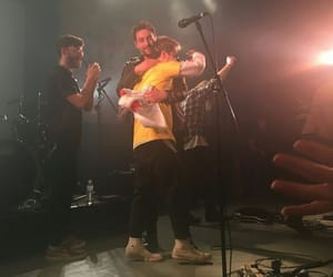 concert, hug, and nothing but thieves image
