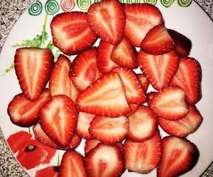 fruit, 🍓, and red image