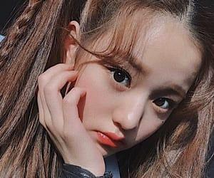 kpop, izone, and kpop selfie image