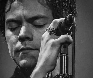 it's a sign of the times ~ harry edward styles