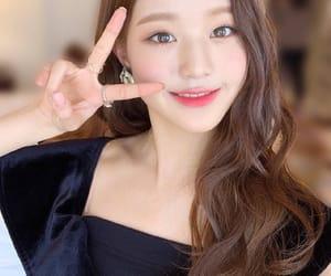 kpop, izone, and jang wonyoung image