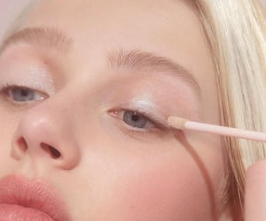 glossy, makeup, and aesthetic image