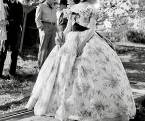 beauty, classy, and Scarlett O'Hara image