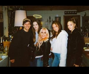 family and louis tomlinson image