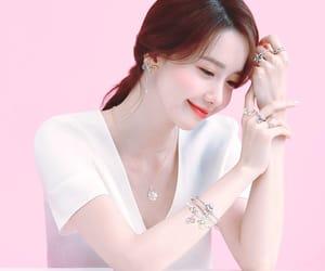kpop, tiffany, and taeyeon image