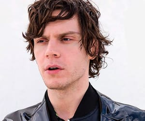actor, ahs, and evanpeters image