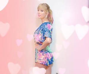 Taylor Swift, i heart radio awards, and 2019 image