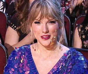 gif, reaction, and iheart radio awards image