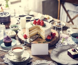 cake, foods, and FRUiTS image